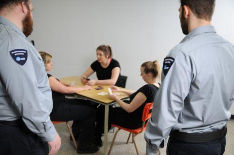 Surveillance salle détenus